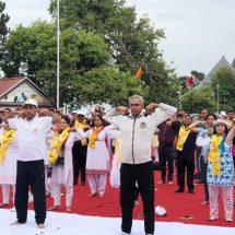 हिमाचल के रिज में राज्यपाल, मुख्यमंत्री व केंद्रीय मंत्री ने किया योग