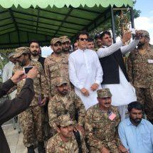 पाकिस्तान सेना से सामंजस्य बनाना इमरान ख़ान की बड़ी चुनौती