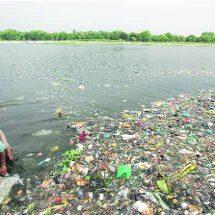 सिगरट की तरह स्वास्थ्य के लिए हानिकारक है गंगा का पानी: NGT