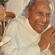 आध्यात्मिक गुरु दादा वासवानी का 99 साल की उम्र में निधन