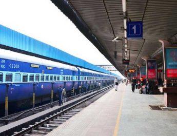 रेलवे स्टेशनों को हवाई अड्डो की तरह बनाने की तरह सुरक्षित करने की रणनीति / अनामी शरण बबल